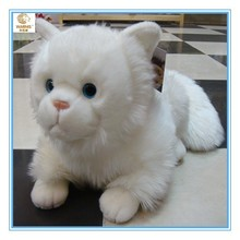 2015 new design white plush big eyes cat toy