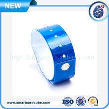 China new design popular rfid wristband for personal id