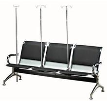 sillas de la sala de espera del hospital