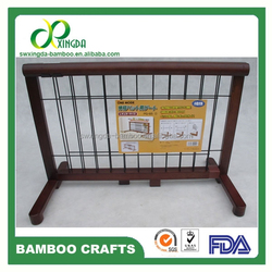 PG65 Indoor bamboo frame wire meshes Dog Gates indoor fencing for dogs