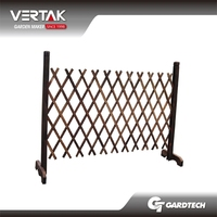Professional design team new fashion wooden fence