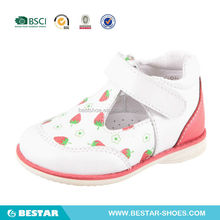 2015new design high quality leather shoes for girls.pretty girls baby shoes