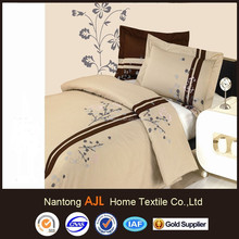 100%cotton famous brand embroideried bedding displays