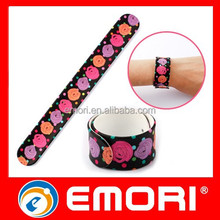 Manufacturer customized full color reflective silicone slap band