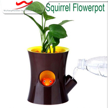 2016 New product decorative simple squirrel shape garden plastic flower pot