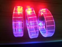 Promotion Hot sale ! LED reflective wristband led reflective slap bands Flashing LED Wristband.