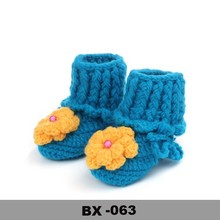 Fashion baby shoes with pearl Cute Flower Crochet Baby Shoes Wholesale