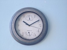 plastic antique wall clock with temperature and humidity