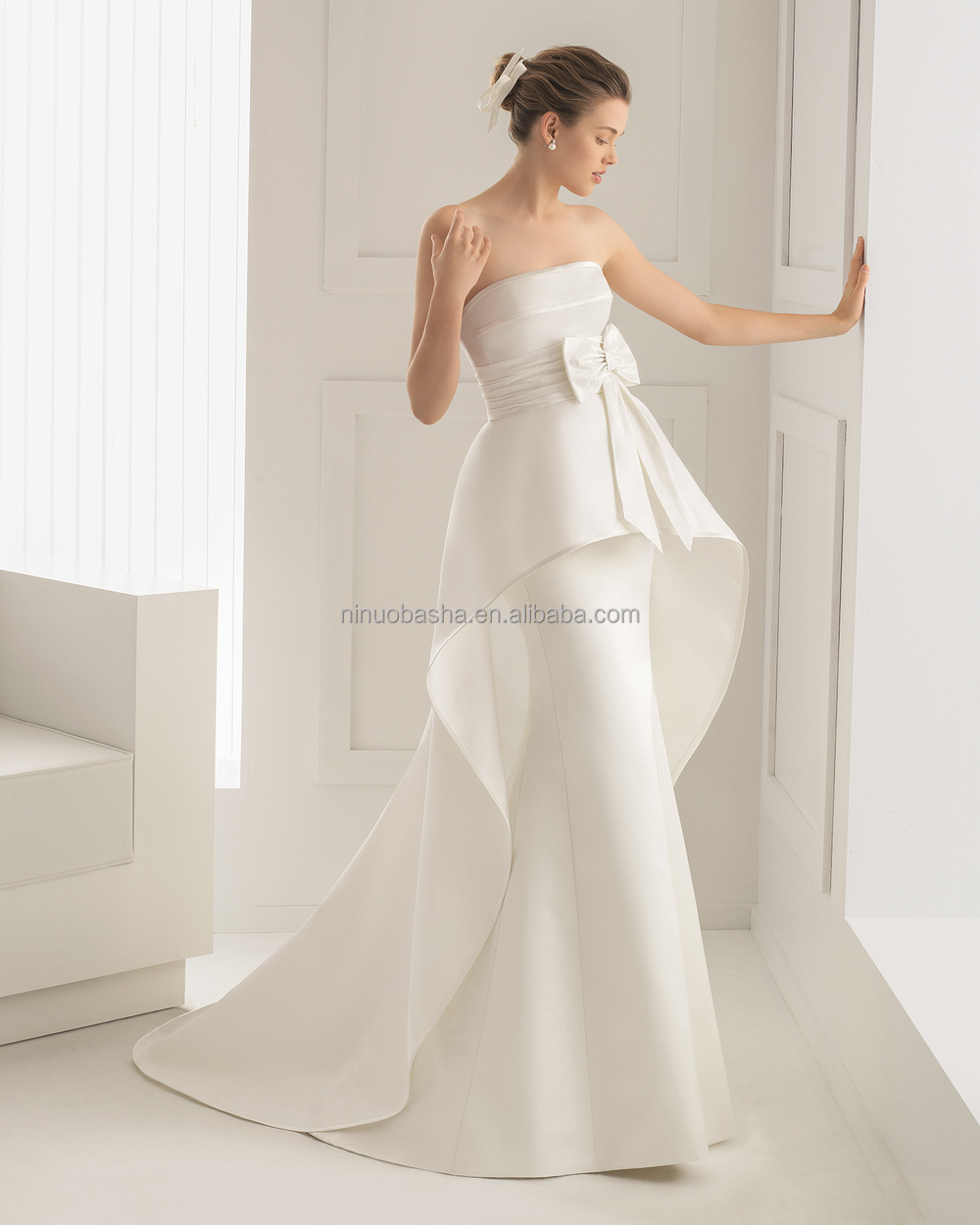 2015 unique silk satin wedding dress and detachable train for Satin silk wedding dresses