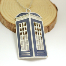 Wholesale Enamel Jewelry Limited Edition Dr Mysterious Classic Charm Hollow House Necklace