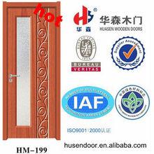artistical appartamento di designin legno porta di vetro