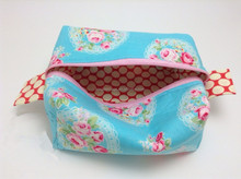 How To Make a Boxy Cosmetic Bag leather toilet bag