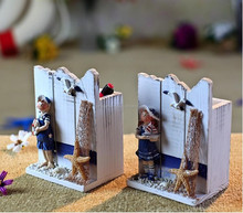 Decorative high quality wooden pen holder with Katong for children