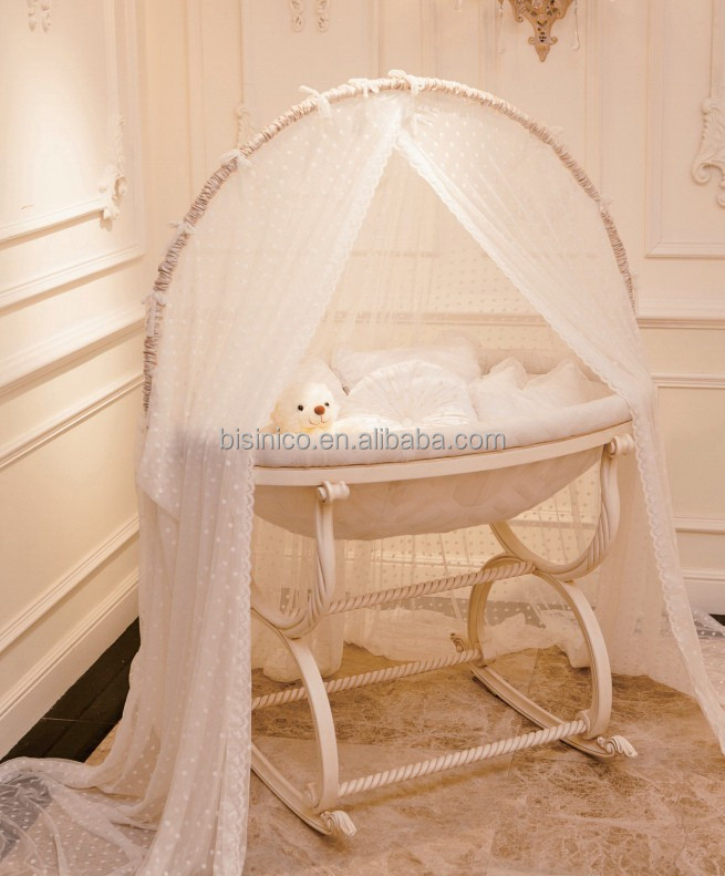 antike elfenbein und goldene farbe holzschaukel babybett bett european luxus hand carving baby. Black Bedroom Furniture Sets. Home Design Ideas