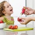 la novedad de color rojo fresa tomates las hojas y tallo escoria removedor