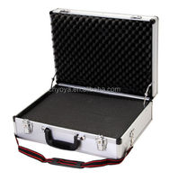 """Aluminum Framed 18"""" Laptop Briefcase, Hard-Saided Tool Case in Silver"""