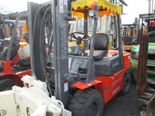 good toyota forklift 3t/ paper roll clamp/ used forklift
