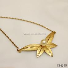 Fabricante de China gold filled hoja diseños con collar de perlas para las muchachas