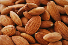 2014 new wholesale raw almond, compared with California almond