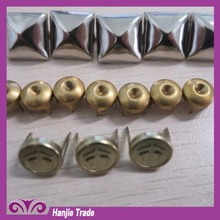 2015 hot sale New design metal studs with prongs for fabric