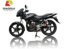 negro motor de 200cc de la motocicleta