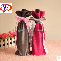 Unique design Chinese traditional design christmas present neoprene wine bottle bag