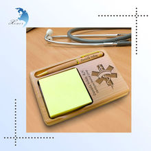 Custom Made Antique Imitation Handmade/Hand Carved/Carving Nurse Wooden/Wood Notepad Pen Holder with Pen