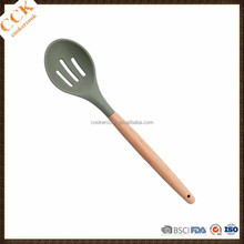 High Grade Wooden Handle Silicone Slotted Draining Spoon