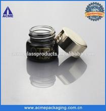 pintado de negro vacío frasco de vidrio con tapa de metal