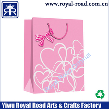 lover day using pink heart gift bag with bowknot