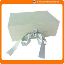 Beautiful Light-colored Ribbon Gift Box Packing