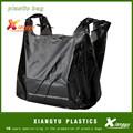 Negro de plástico bolsas de supermercado