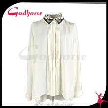 El nuevo 2015 blanco impresos blusa de seda