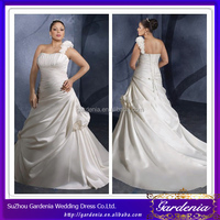Hot Sale High Quality A-line Sleeveless Lace Up Back Simple Satin One Shoulder Plus Size Wedding Gowns (ZX781)