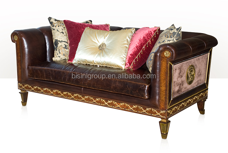 Antique victorian style two seat leather sofa with gold for Sofa royal classic