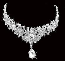 Beautiful wholesale 2015 bridal wedding jewelry hair crystal pendants crown tiara jewelry!