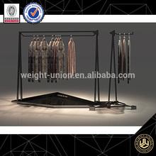 estante de la tienda decoración de tiendas de ropa