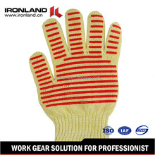 Top Quality Safety Withstand Heat Up To 660F BBQ Gloves