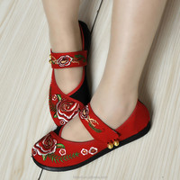 Performing stage women embroidered buckle canvas shoes