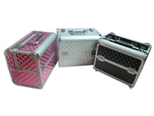 2015 women favorite handy pink aluminum beauty case in makeup case at affordable price
