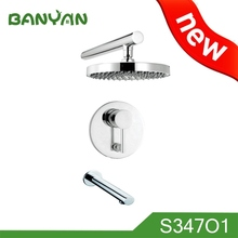 Corrosion resistant polished chrome high pressure water saving shower head