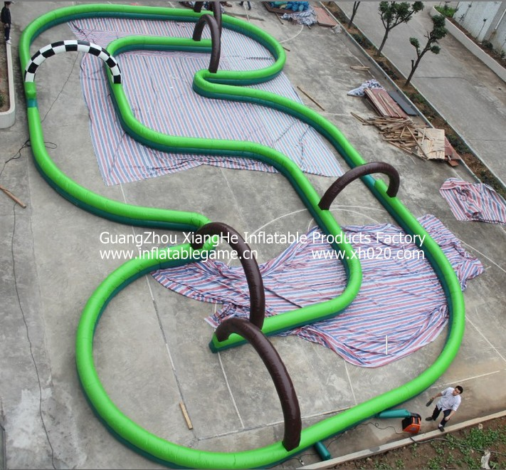 inflatable track race02.jpg