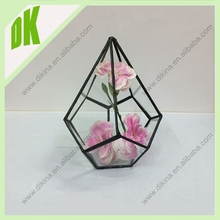 a perfect set for a wedding, shower, party, or to just enhance your decor. wholesale geometric glass vase with lid