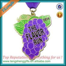 Manufacturer grape shaped gold metal running race enamel color medal