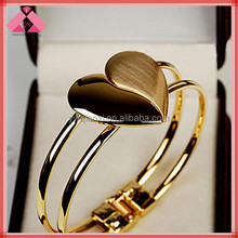 Drop Heart Gold Snap Fashion Charms Fancy Simple Designed Gold Bangles-BG15164
