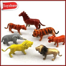 Plastic animal figurine toys