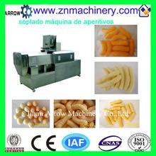 aperitivos de maíz que hace la máquina de soplado
