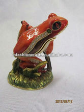 Red Frog standing on branch cute collectable metal gifts box
