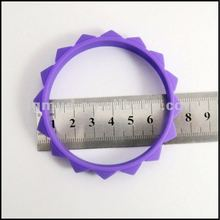 2012 new and smart silicone bracelets as gift item