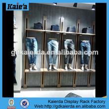 Tienda de ropa de diseño de interiores/diseño showroom/sala de exposición de visualización